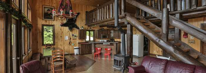 Indoor cottage at Pourvoirie Saint-Zénon